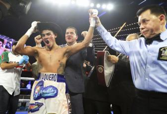 Underdog Navarrete beats up Dogboe, takes world title