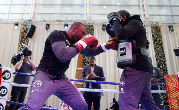 Whyte And Chisora Relaxed Ahead Of London Rematch
