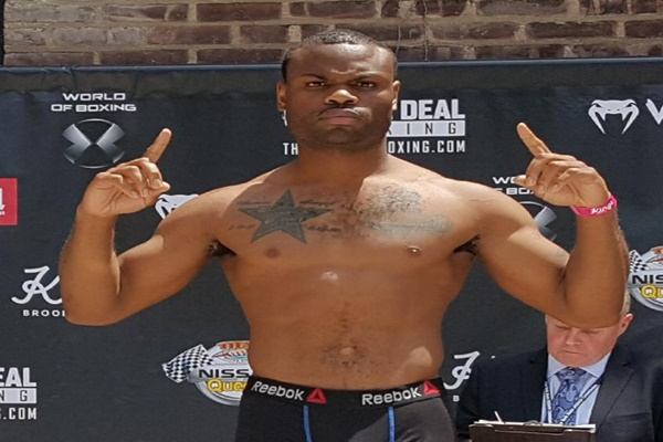 DeAndre Ware fights Ronald Ellis Feb.1