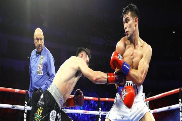 Jose Ramierz enjoys some home-cookin to retain junior welterweight title