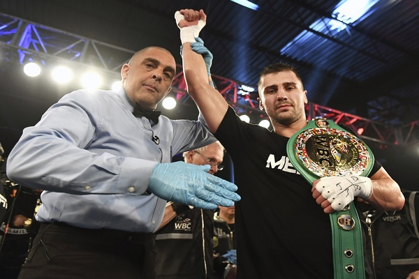 Gvozdyk gets TKO, Ngumbu injury forces stoppage