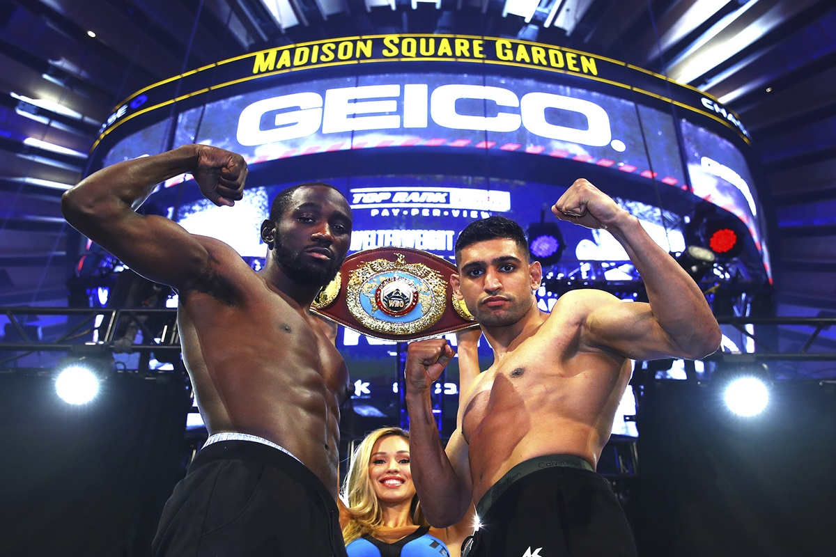 Terence Crawford and Amir Khan make weight - ready to go