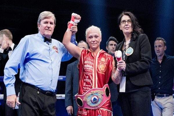 Dina Thorslund easily defeats April Adams in defense of WBO title