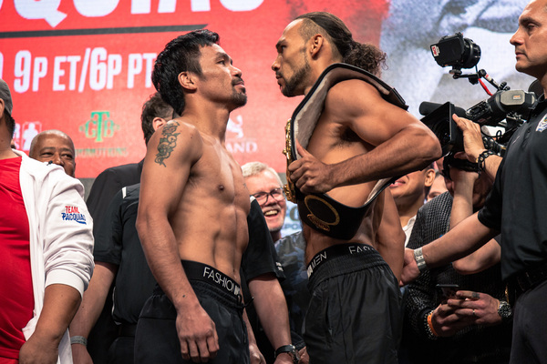 Manny Pacquiao and Keith Thurman make weight