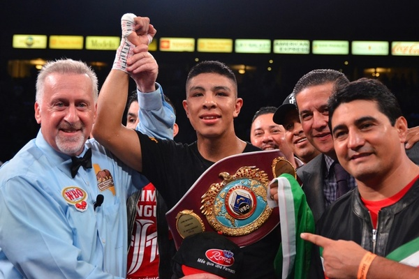 Jamie Munguia fills void on Mexican Independence Day weekend, Romero Duno dominates