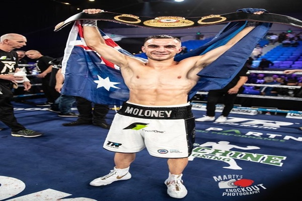 15 rounds with Andrew Moloney