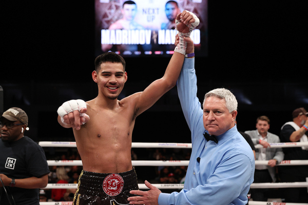 Diego Pacheco remains undefeated, dominates Oscar Riojas
