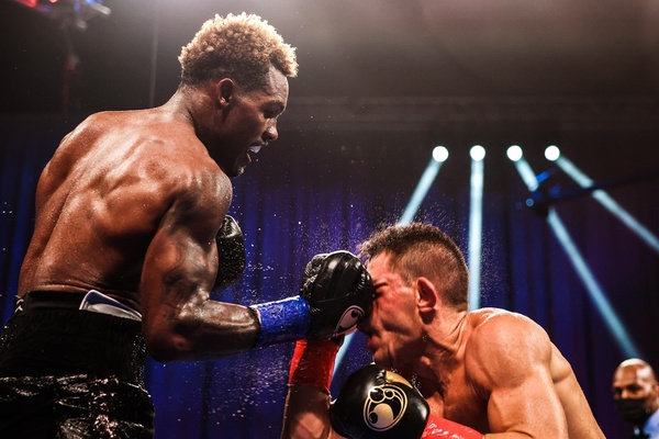 Jermall Charlo defeats Sergiy Derevyanchenko in grueling 12-rounder