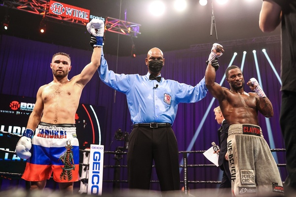 Sergey Lipinets and Custio Clayton fight to 12 round draw