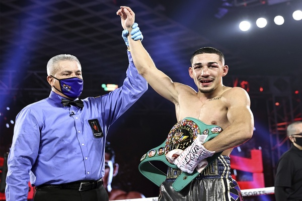 Maxboxing 2020 Fighter of the Year: Teofimo Lopez