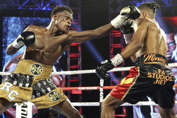 Comebacking former champion Richard Commey stops Jackson Marinez