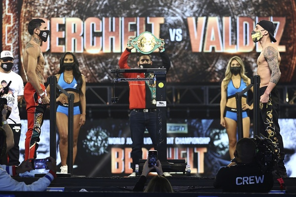 Miguel Berchelt vs. Oscar Valdez - Weigh in